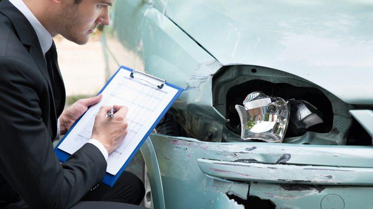 10 detenidos por fraude de seguros de coches